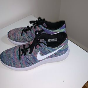 Nike sneakers 9 pink blue green running